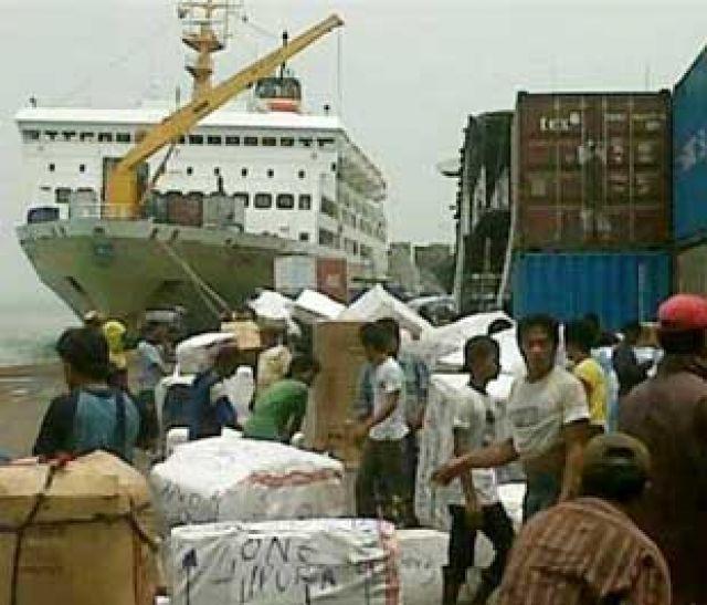 Pengiriman port to port paket barang ke Pantoloan tanggal 5 Maret 2018